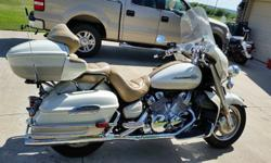 Yamaha Royal Star----Pearl White/ Ivory Two Toned 2000